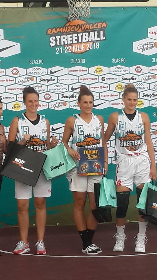 Bravo fetelor! CSM Satu Mare a câștigat turneul Sport Arena Streetball de la Râmnicu Vâlcea.